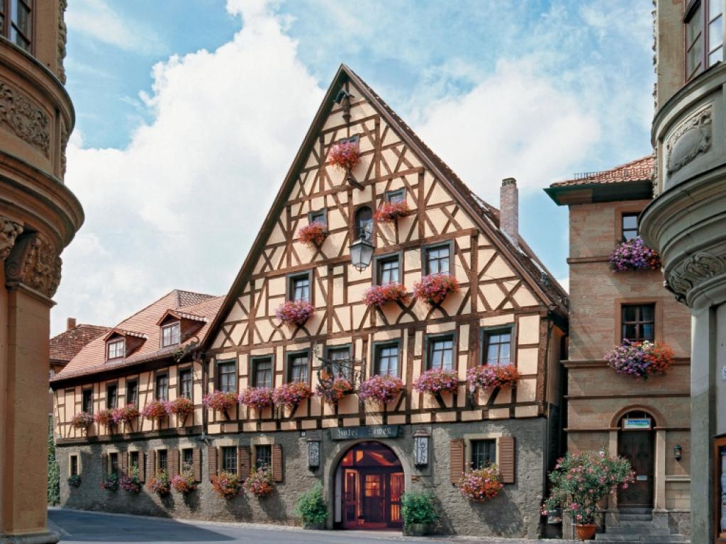 Hotel Löwen #1