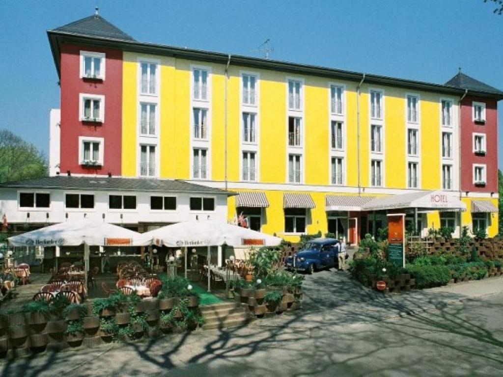 Grünau Hotel #1