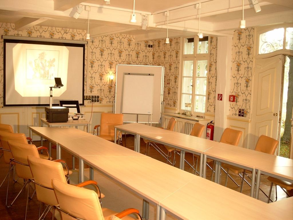 Landsitzhotel und Seminarium Peterhof