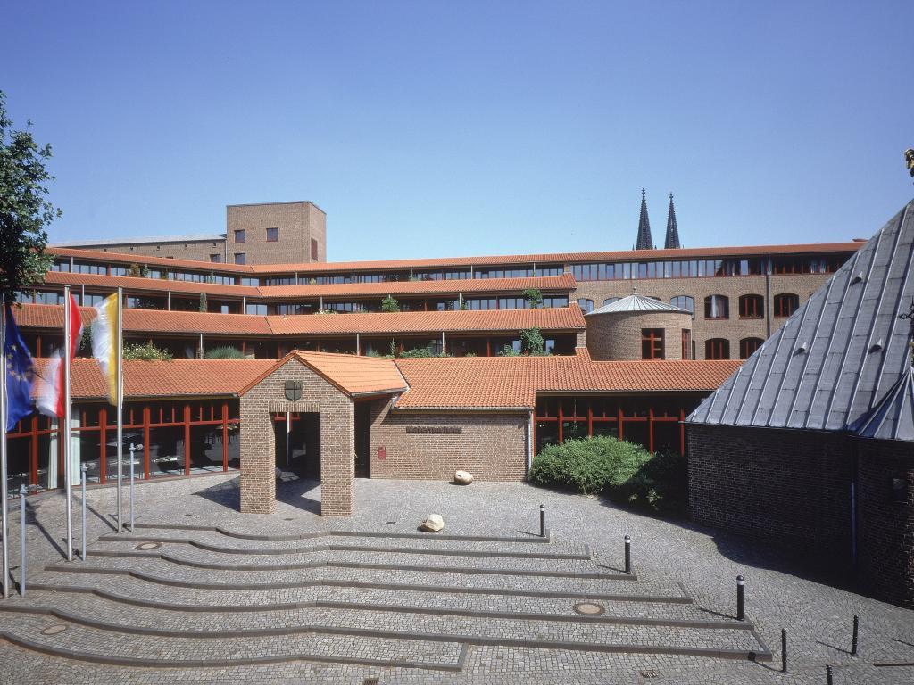 Maternushaus #1