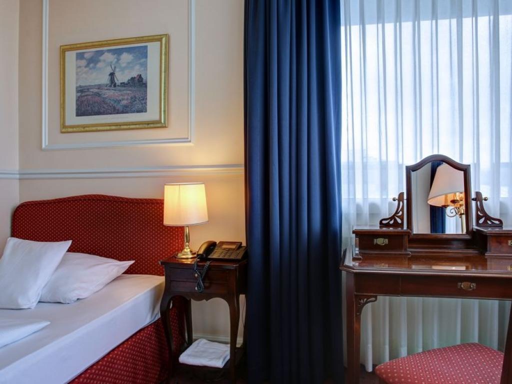 Centro Hotel Bristol