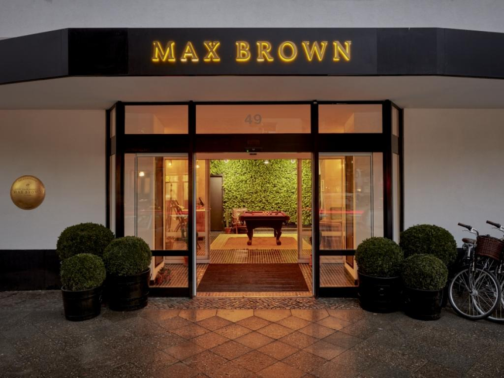Max Brown Ku´Damm #1
