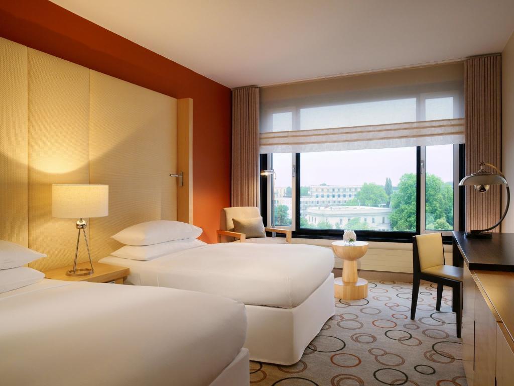Sheraton Berlin Grand Hotel Esplanade #13